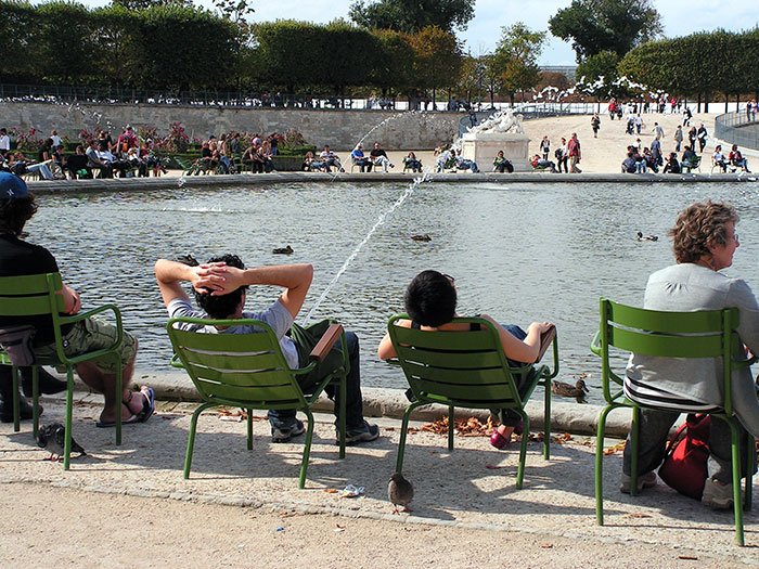 perfectly timed photo Tuileries Garden