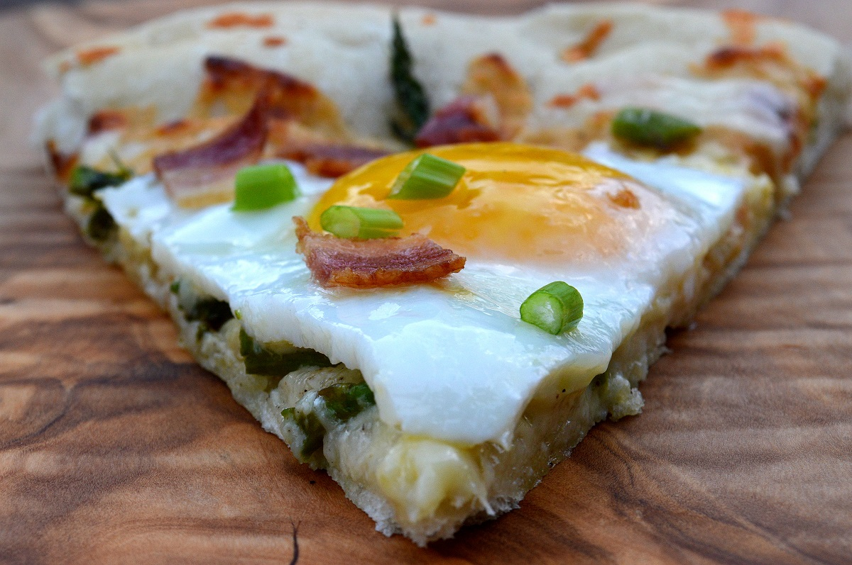 Spring Pizza with Peas, Fava Beans, Asparagus, Prosciutto and Egg