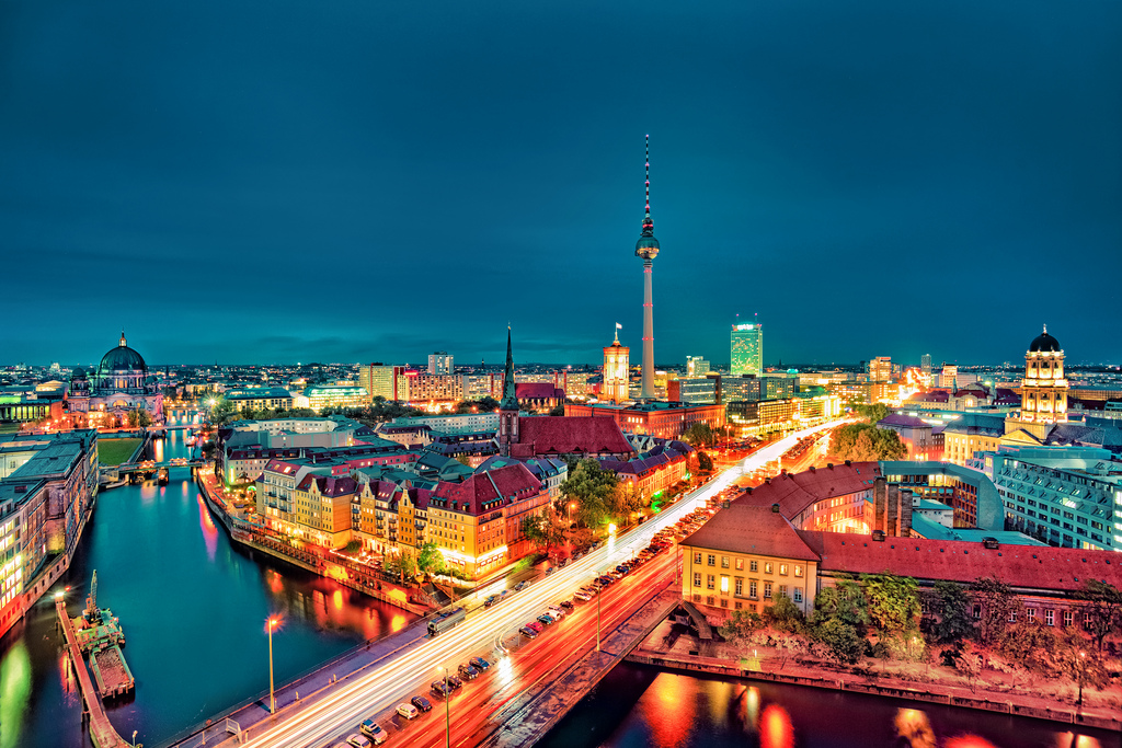 Berlin city night images