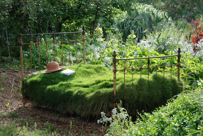 Grass-Bed