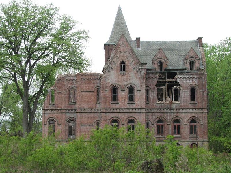 wyndcliffe-derelict-mansion